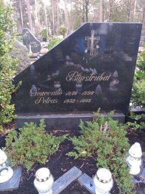 Petras-ir-Genovaitė-Blinstrubai-Karmėlavos-kapinės